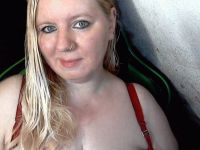 Nu live hete webcamsex met Hollandse amateur  whitebat?